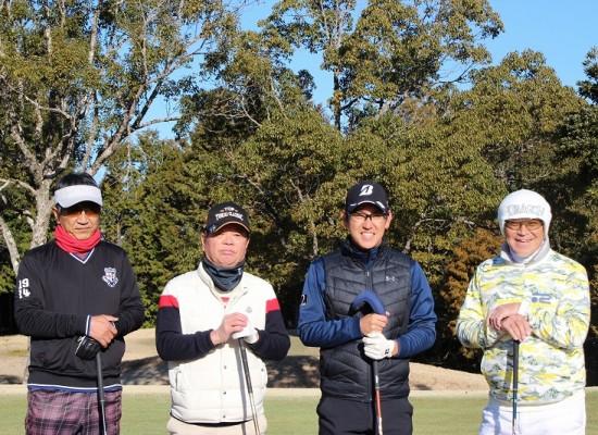 所属プロとの親睦ゴルフコンペを開催致しました。
